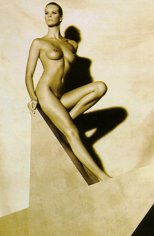 Nudes Hq Gallery Elle Macpherson